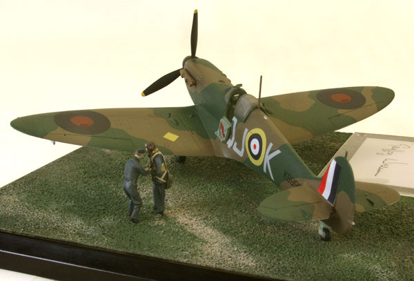 Supermarine Spitfire Mk IA 1/48 scale pewter signed limited edition aircraft model from the Battle of Britain. Handmade by Staples and Vine Ltd.
