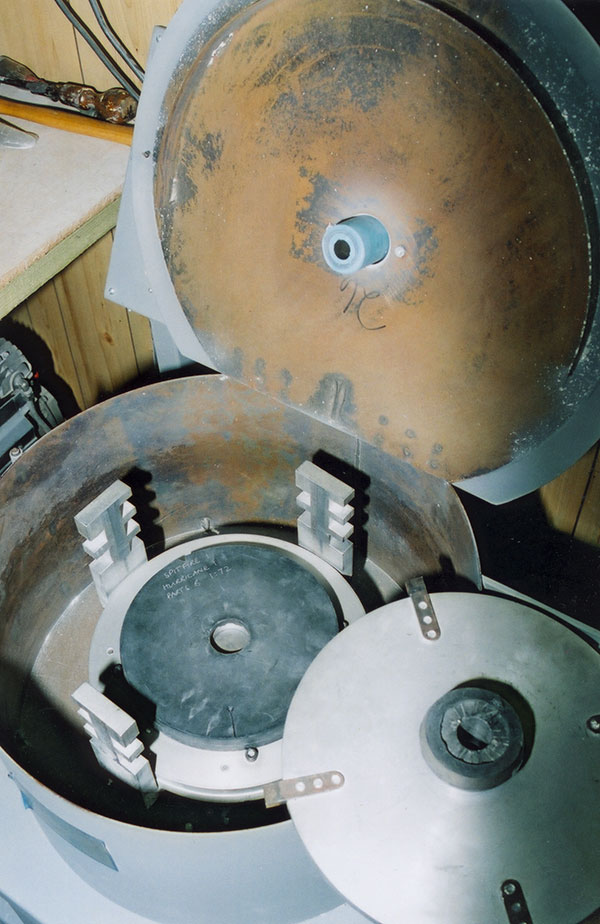 The centrifugal casting machine uses either nine or twelve inch diameter vulcanised rubber moulds. The moulds can be adjusted to operate at a range of speeds and pressures. Direction of rotation can also be changed.