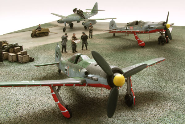 Gallands Zirkus 1/72 scale pewter limited edition diorama of a Messerschmitt Me262A-1a and two Focke Wulf Fw 190D-9s from JV 44. Handmade by Staples and Vine Ltd.