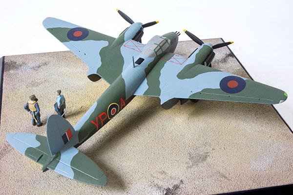 de Havilland Mosquito NF Mk II 1/72 scale limited edition pewter aircraft model. As flown inn the defence of Malta. Handmade by Staples and Vine Ltd.