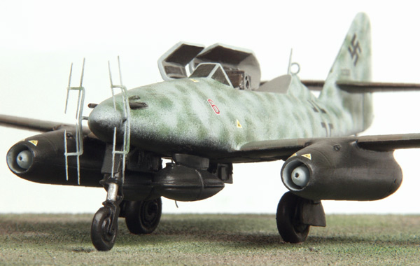 Messerschmitt Me 262B-1a/U1 nightfighter 1/72 scale pewter limited edition aircraft model. Handmade by Staples and Vine Ltd.