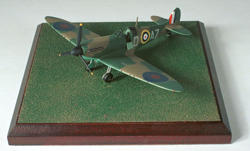 Supermarine Spitfire Mk I 1/72 scale pewter limited edition aircraft model as flown in the Battle of Britain by Bob Doe. Handmade by Staples and Vine Ltd.