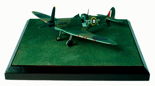 Supermarine Spitfire Mk II 1/72 scale pewter limited edition aircraft model as flown in the Battle of Britain. Handmade by Staples and Vine Ltd.