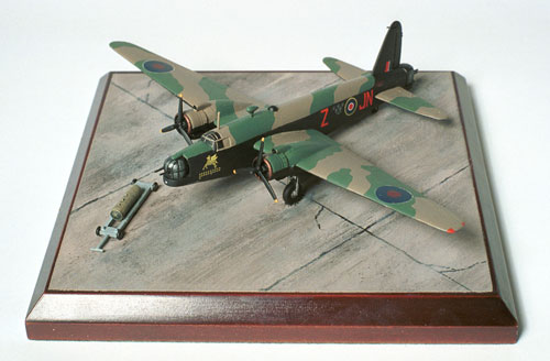 Vickers Wellington Mk III 1/144 scale pewter limited edition aircraft model. As flown with 150 Squadron RAF. Handmade by Staples and Vine ltd.